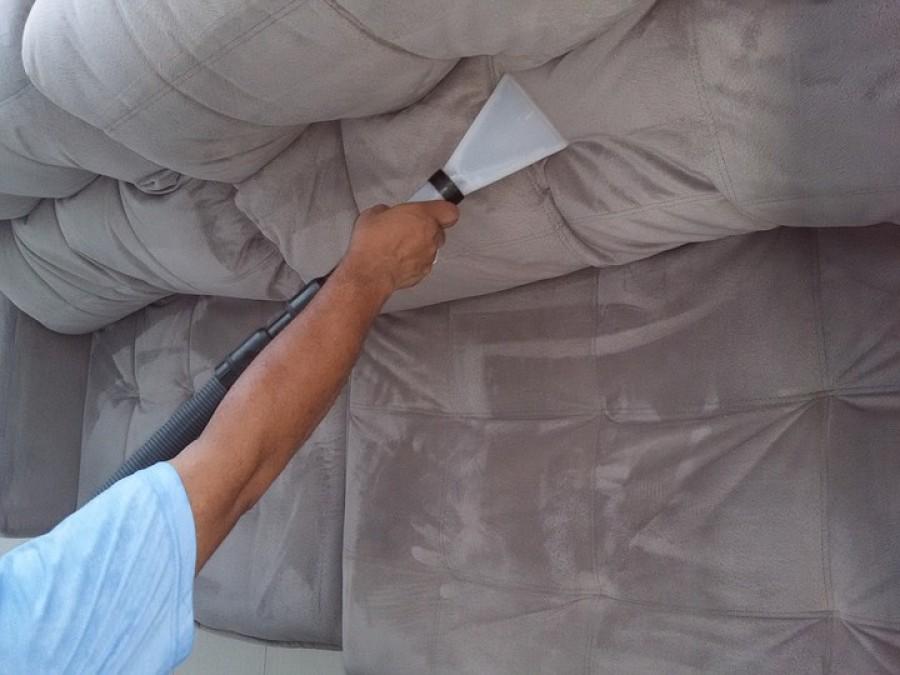 Foltos lett a kanapé? Ez a trükk segített!