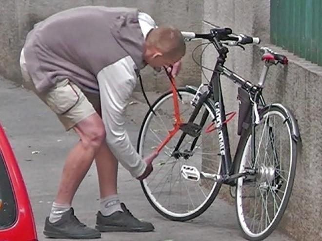 DÖBBENET! Legálissá tették a kerékpárlopás Magyarországon!!!