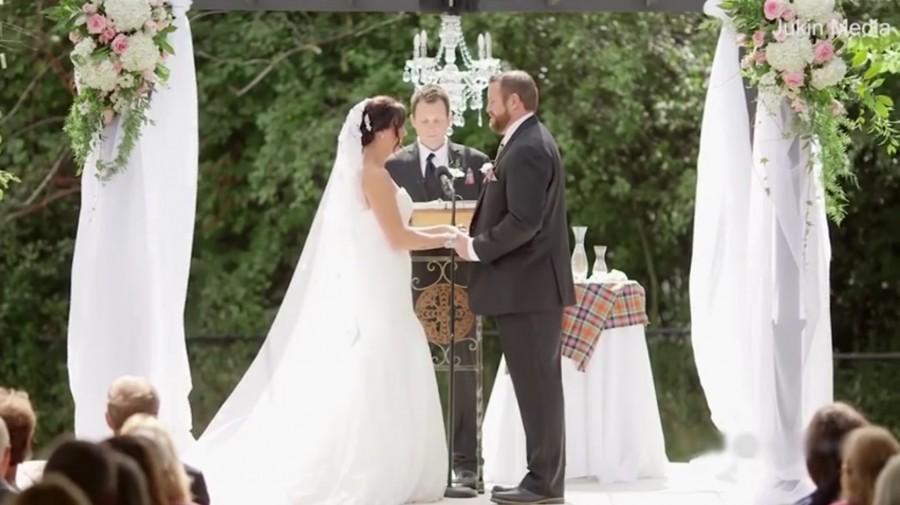 Ezzel senki sem számolt! A boldogító igen előtt vágták pofon a menyasszony!