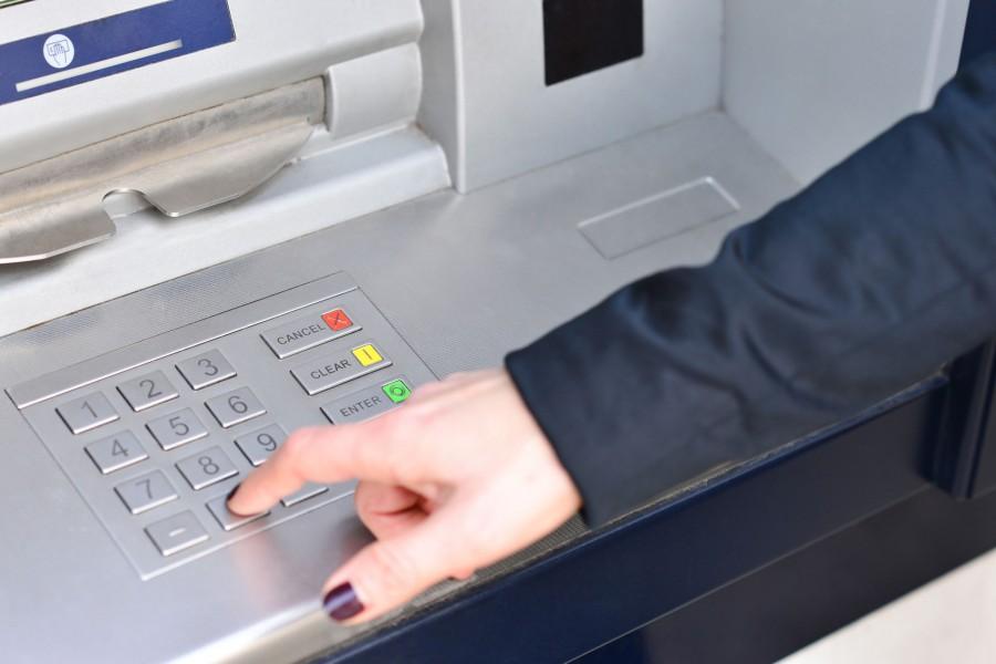 Több ezren nem tudnak hozzáférni a bankszámlájukhoz!