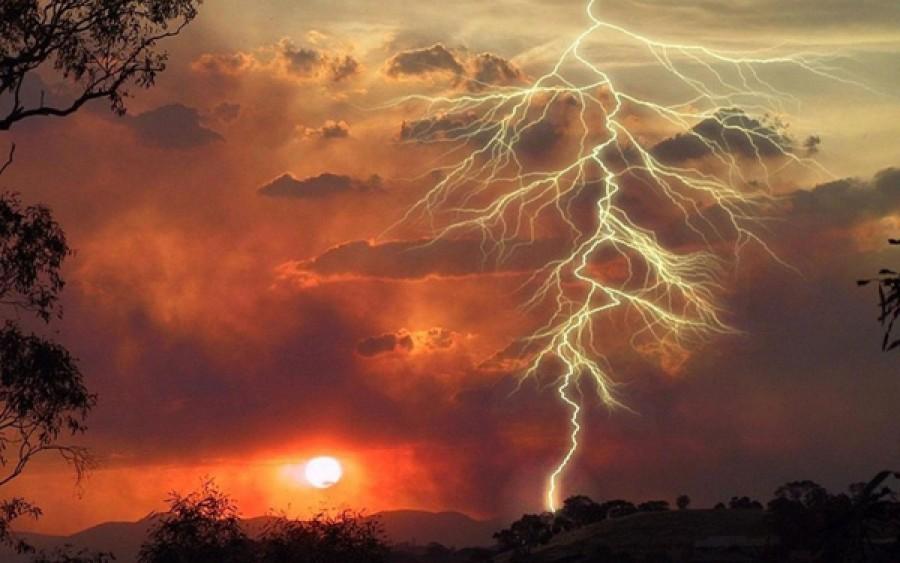 VÉSZJELZÉS - hatalmas felhőszakadás lesz hamarosan!