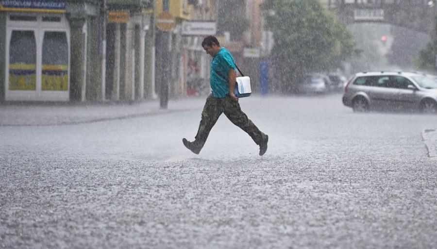 FIGYELEM: jégeső és vihar várható az alábbi területeken!