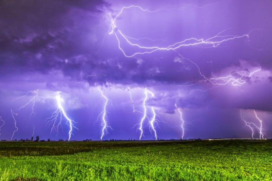 Lecsapott a vihar az országra!
