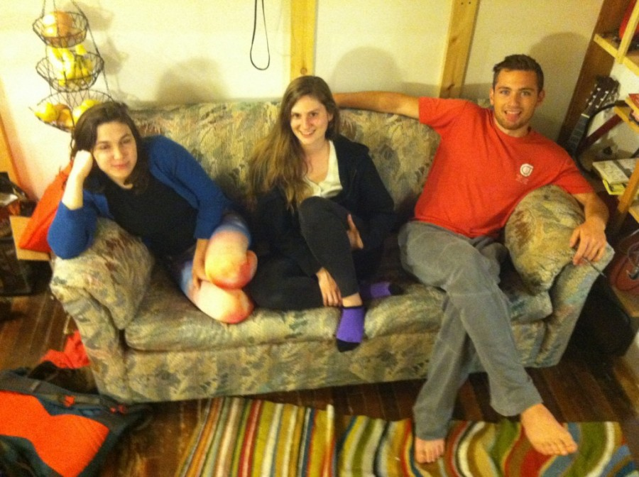 Mindenki meglepődött, mikor kiderült hogy mit rejt a használtan vett kanapé!
