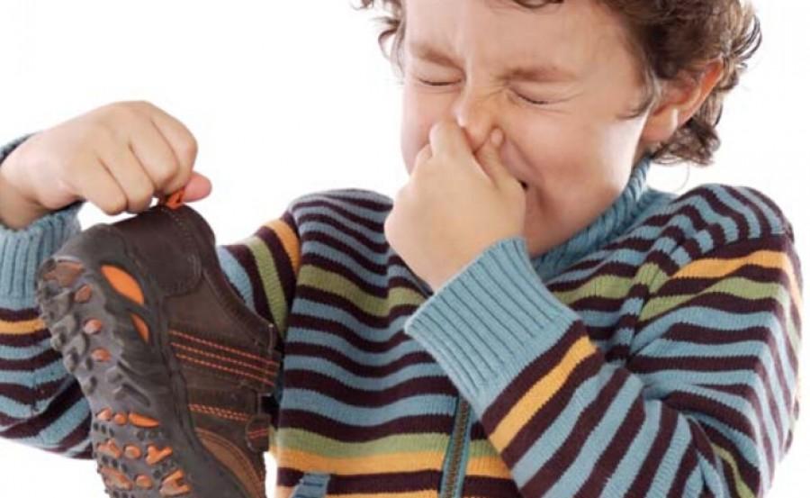 Így megszűnik a lábszag, és illatos lesz a cipőd! FILLÉRES MEGOLDÁSOK!