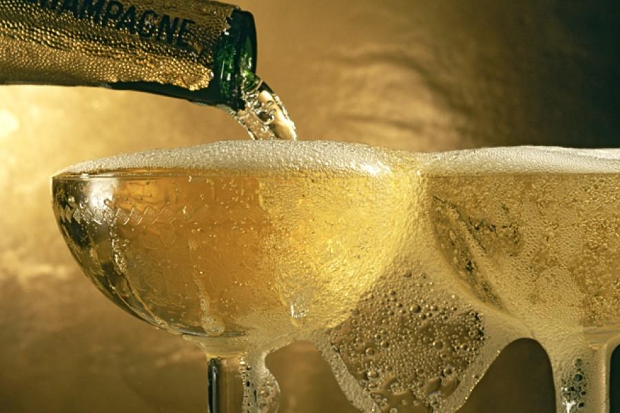 Ilyen hatása van  a pezsgőnek a szervezetünkre!
