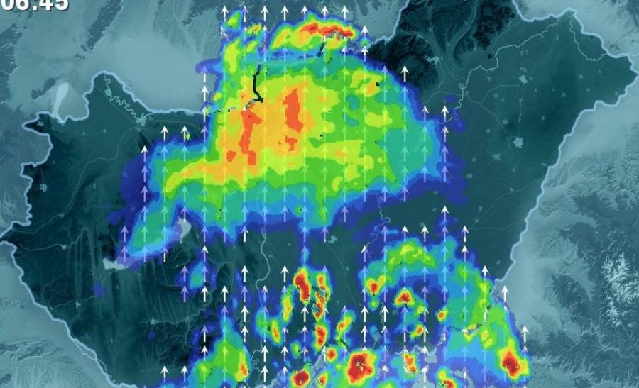 Kritikus időjárásra készüljünk: az ország több pontján már reggel utakat kellett lezárni a heves esőzés miatt