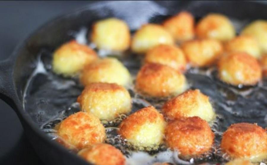Ropogós sajtgolyó - ami nem folyik szét!