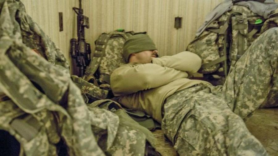 A katonákat megtanítják, hogy kell percek alatt álomba merülni