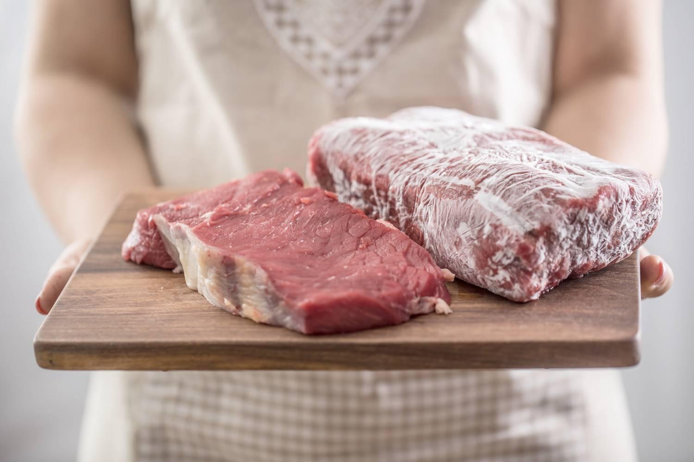 Így olvasszuk ki a húst 5 perc alatt mikro nélkül