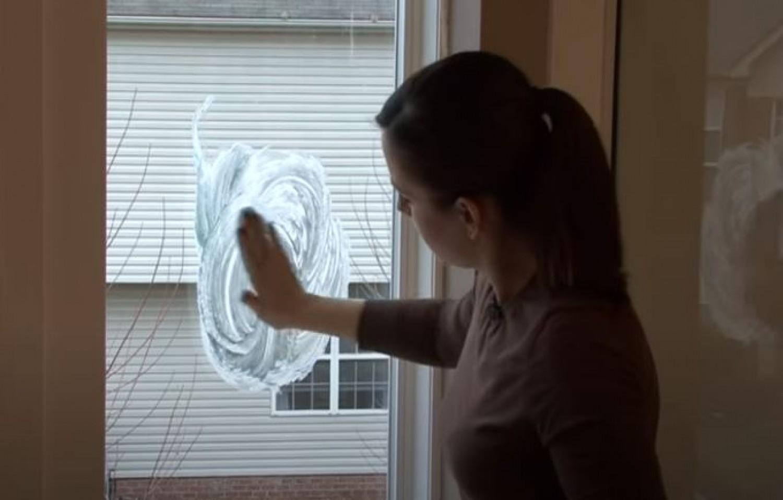 Párásodik az ablak? Ez a filléres, pár perces trükk hosszú időre megoldja a problémát. (videó)