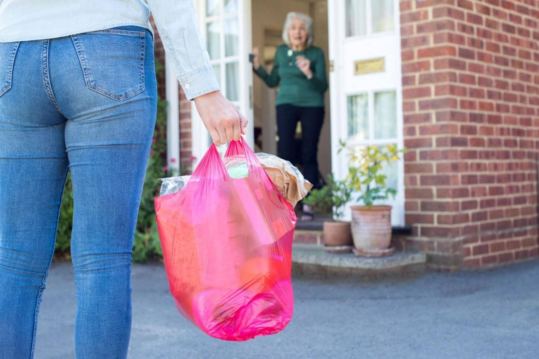 8 dolog, amit tegyél be a táskádban, ha a járvány idején el kell hagyod a lakást