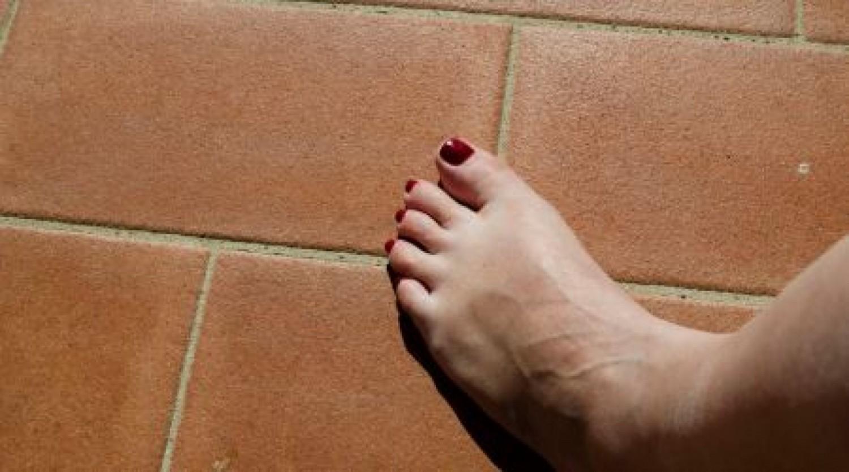 Új koronavírus-tünetre figyeltek fel: így néz ki a Covid lábujj